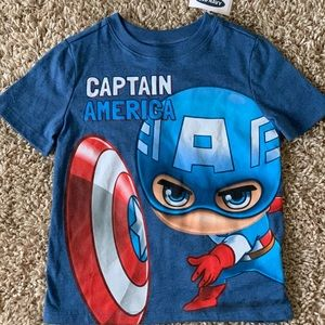 Captain America T-Shirt NWT
